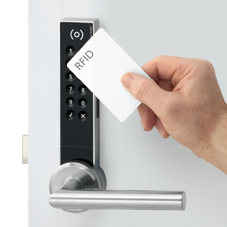 Sports / Fitness facilities SAFE-O-TRONIC® access DS Door locking system